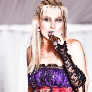Live singer