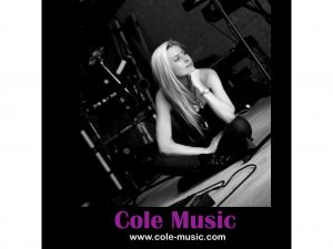 logo Cole music